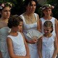 Mariage : accessoires de la mariée (éventail, <b>étole</b> et réticule ou petit sac )