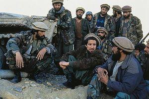 1007325-Le_commandant_Masud_et_ses_troupes_de_moudjahidin