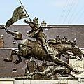 <b>Jeanne</b> <b>d</b>' <b>Arc</b> arrive à Chinon