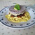 Steack de boeuf haché et sauce curry aux vitelottes, carottes et <b>igname</b>
