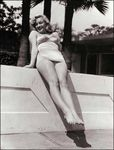 1948_townhouse_MarilynPosePinUp_Pool00110