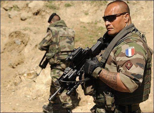 afghanistan un nouveau soldat fran ais mort pour rien damien buil et ses fr res d 39 armes. Black Bedroom Furniture Sets. Home Design Ideas