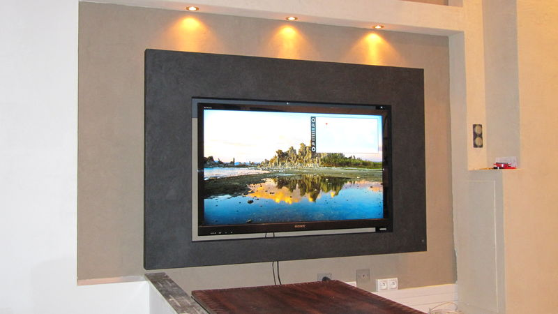 coffrage tv mural c ble lectrique cuisini re vitroc ramique. Black Bedroom Furniture Sets. Home Design Ideas