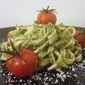 Linguine au <b>Pesto</b> et Tomates Cerises