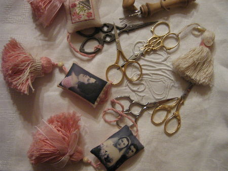 photos; fils , perles;