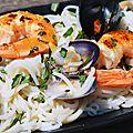 Nouilles de riz sautées aux crevettes et coquillages