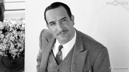 4437187-jean-dujardin-dans-le-film-the-artist-diapo-1