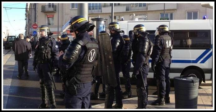 Police CRS ville