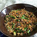 Risotto de petit épeautre aux <b>asperges</b> vertes et champignons rosés
