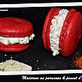 Macarons au parmesan et piment d'Espelette