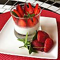 PANNACOTTA AU <b>COCO</b> ET MILLEFEUILLE DE FRAISES A LA MENTHE
