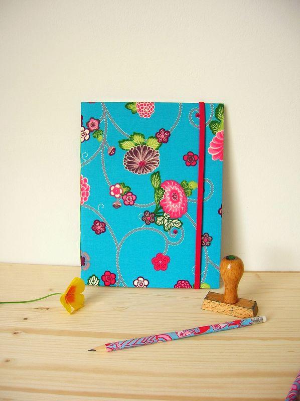 carnet tissu bleu fleur rose 1