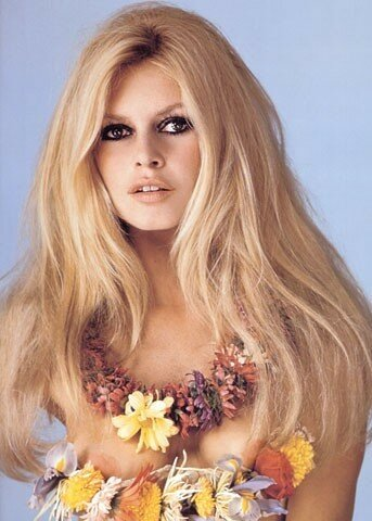 brigitte_bardot_by_sam_levin-1967-show_bb-flower-1