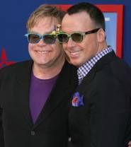 elton-john-et-david-furnish-ne-sont-ils-pas-mignons-avec-leurs-jolies-lunettes_75906_w185