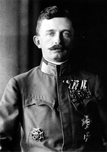 Emperor_karl_of_austria-hungary_1917