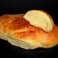 Cougnoles ou cougnous (petits pains briochés)