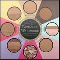 The Little Black Book of Bronzers - 8 Poudres Bronzantes - <b>Too</b> <b>Faced</b>