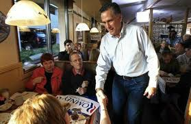 Romney in restaurant
