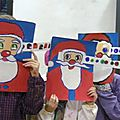 <b>Exemples</b> de Pères Noël aux yeux multicolores