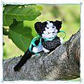 SC And <b>More</b> n°328 : un petit chat noir et blanc