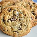 Cookies aux pépites au chocolat au <b>tahin</b>
