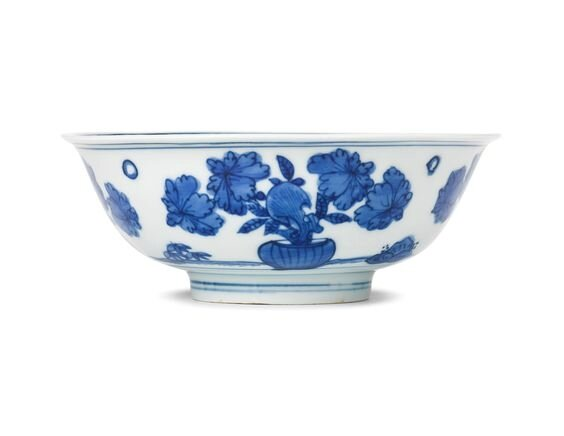 A blue and white 'Flower and Rock' bowl, late Ming dynasty
