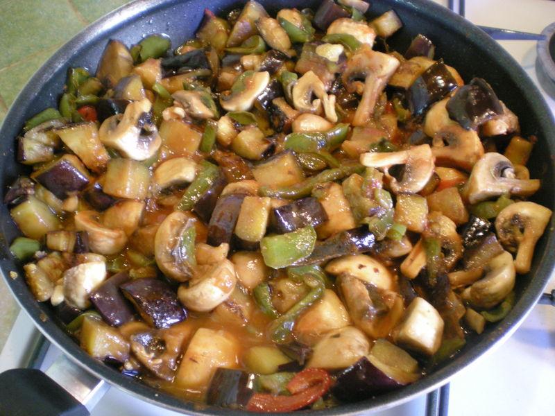 Champignon de paris a la poele affordable poelee la - Comment cuisiner les aubergines poele ...