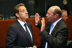 Nicolas-Sarkozy-et-le-president-roumain-Traian-Basescu_scalewidth_630
