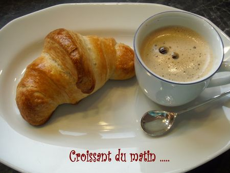 croissant_caf__1