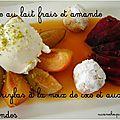 Assiette de fruits frais, glace au lait frais et à l'amande et ghriybas à la <b>noix</b> de <b>coco</b> et amandes
