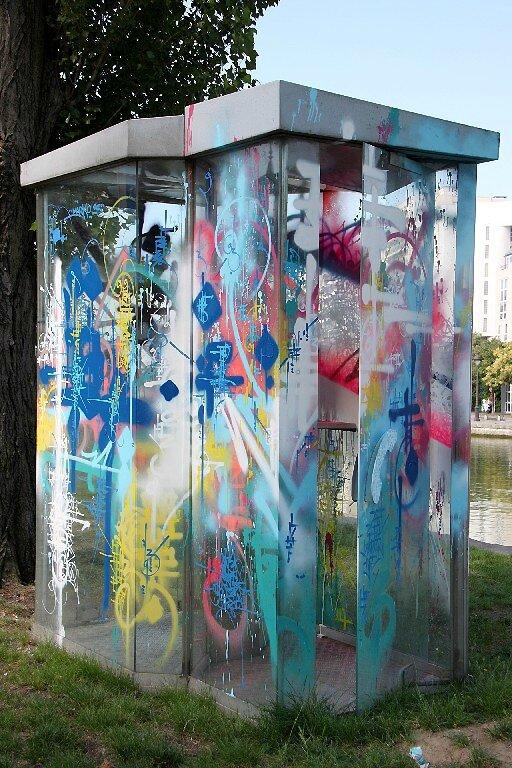 3-Marko93, cabine téléphonique, canal de l'Ourcq_4827