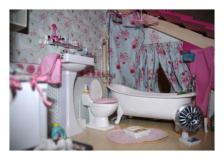 """Maison pour poupée """"manequin"""" 1/6ème - Page 3 50606643_p"""