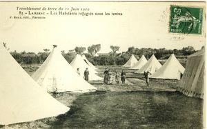 448_1293725379_Les-habitants-refugies-sous-des-tentes