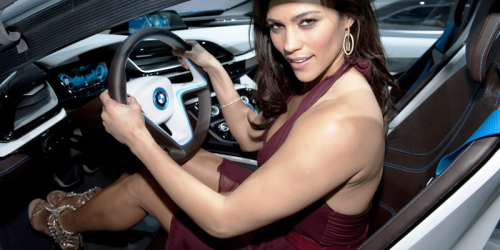 Paula Patton en égérie de BMW