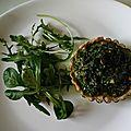 une tartelette epinards champignons au déjeuner