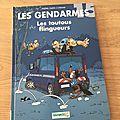 Nous avons lu le tome 15 de la série Les gendarmes, Les toutous <b>flingueurs</b>
