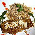<b>Saumon</b> mariné, pané en croûte de noisettes, noix de cajou.... accompagné de nouilles japonaises précuites.