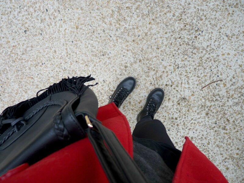 Look d'hiver manteau rouge
