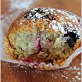 <b>Muffins</b> au chocolat blanc et fruits rouges