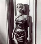 sc03_set_For_My_Friends__Frank_Worth__Marilyn_candid_on_the_set_of_HTMaM