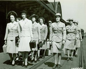 Women's_Army_Auxiliary_Corps_recruits,_at_Fort_Des_Moines,_Iowa,_1942_-_U