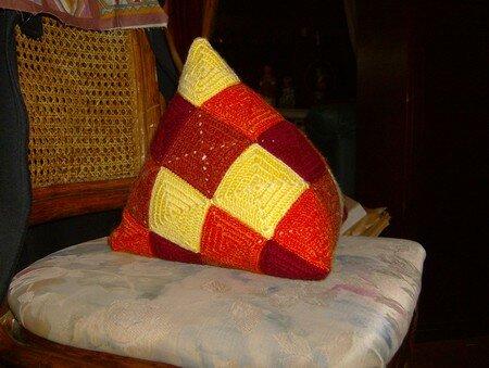 crochet tuto coussin berlingot couture et ou patchwork tricot le blog de bidouillette. Black Bedroom Furniture Sets. Home Design Ideas