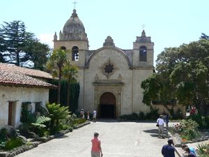 Monterey_mission_california_main_chapel_from_outside