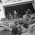1954-02-17-korea-grenadier_palace-stage-021-1