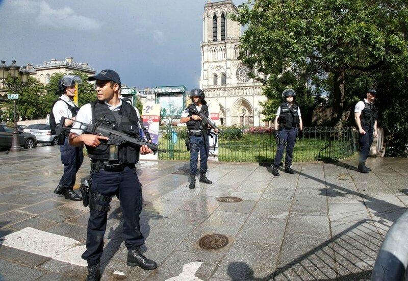 Policiers Paris 2