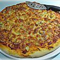 Pizza à l'artichaut et au jambon cru