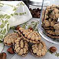 Biscuits à la noisette fourrés chocolat (spécial <b>presse</b> à biscuits)