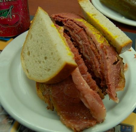 schwartzs_smoked_meat_1