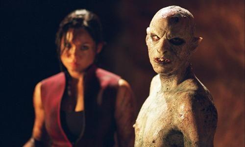 Natalie Jackson Mendoza & l'une des créatures de The Descent