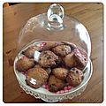 Le goûter du <b>mercredi</b>... Des cookies noisettes-pralins aux pépites de chocolat...